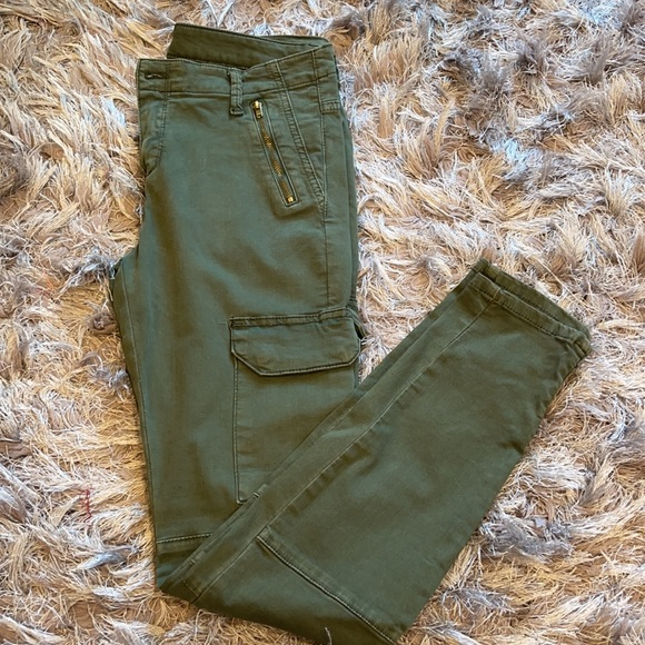 NWOT Zara Olive Green Skinny Jeans with Gold Detailing